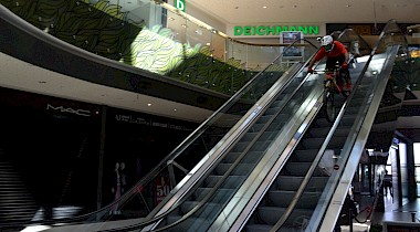 Downhillrace in der Shopping Mall - Türkei
