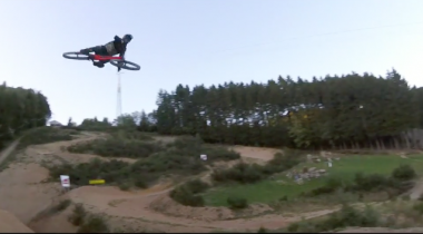 World's Biggest Jumps mit Vink & Fairclough