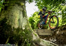 HEAVY METAL: DOWNHILLBIKE IM TEST (Nr.2)