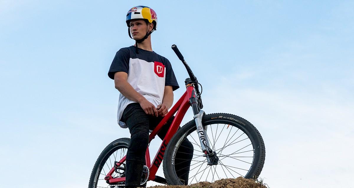 Red Bull Events >> MTB Rider: Ready for Innsbruck – Erik Fedko hat Style