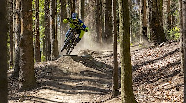 OFF SEASON RACE IM BLACK MOUNTAIN BIKE PARK Elstra
