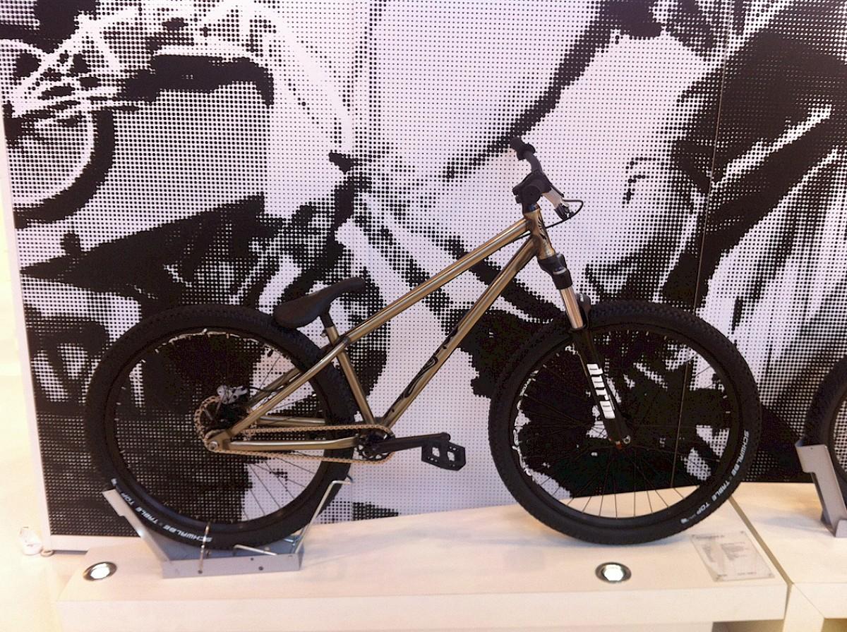 MTB Rider: Camerlengo - das Dirtbike von Bulls